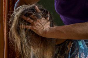 Massage ciblé du crâne, du visage, du ventre, du et des jambes.