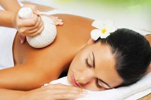 Massage aux pochons de Siam.